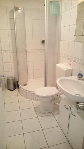apt2 bathroom 2