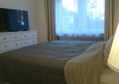 P116 EG Schlafzimmer mit TV
