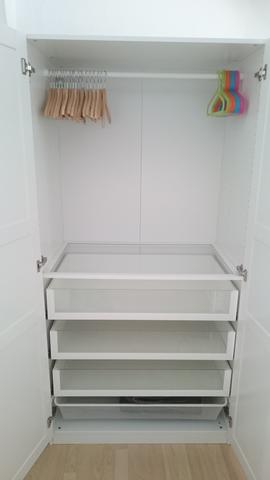 S10 DG Kinderzimmer offener Kleiderschrank