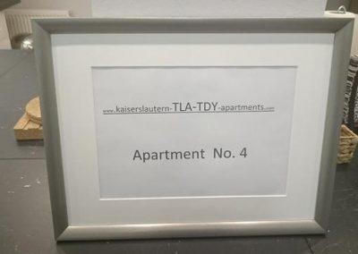 Bilderrahmen mit apartment No 4