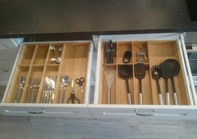 Küche offene Schublade